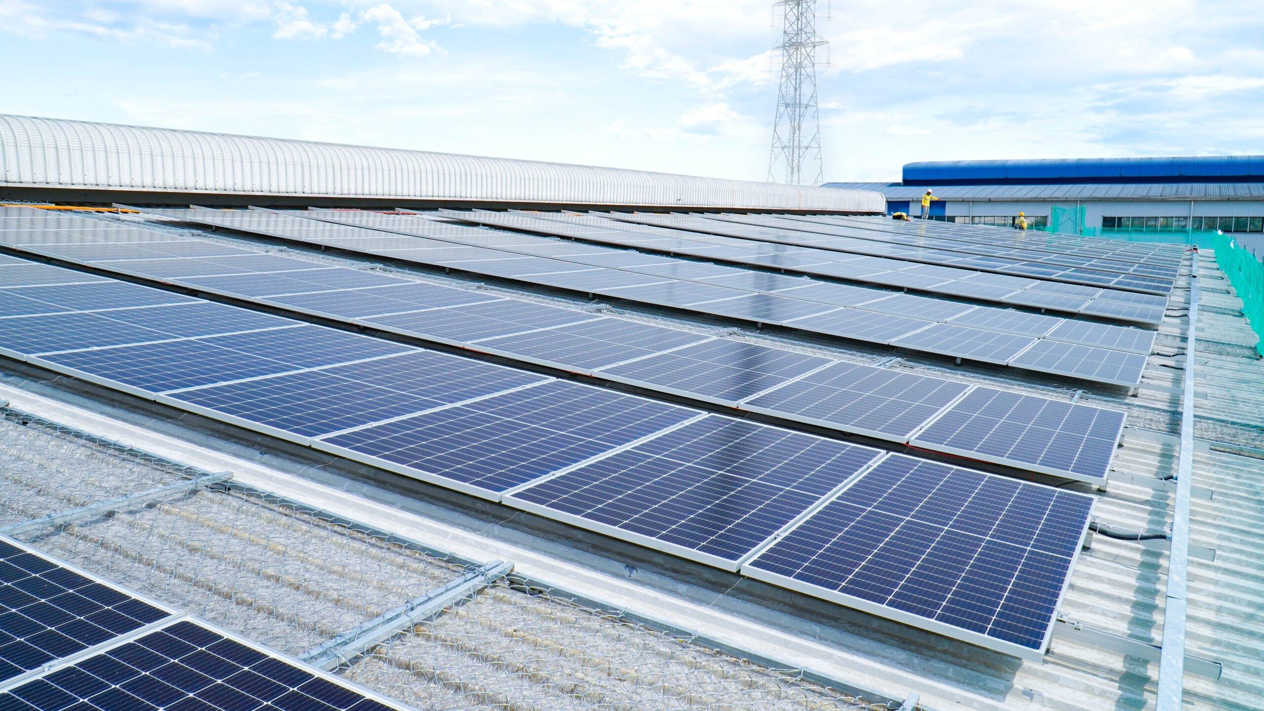 Doanh nghiệp phát triển bền vững với năng lượng mặt trời áp mái